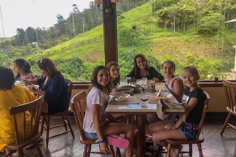 Turma do 5º ano do ensino fundamental no Hotel Fazenda Ribeirão!