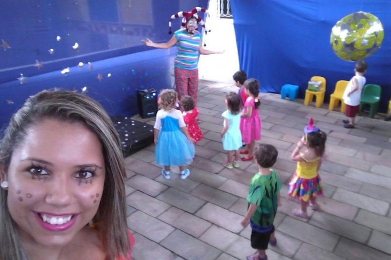 A criançada tá aproveitando a colônia de férias aqui com a gente! Dessa vez, fomos de Passeio Ecológico e Festa à Fantasia